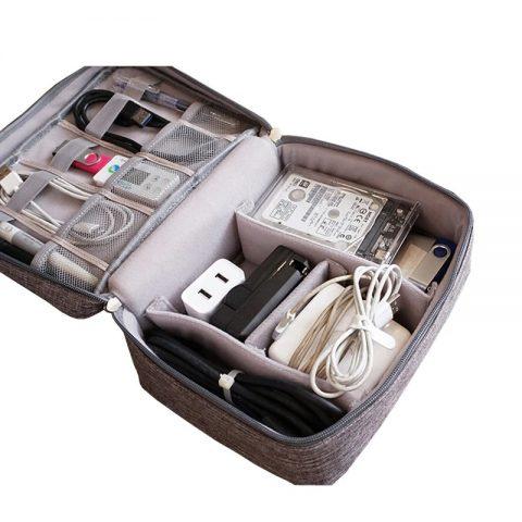 Pochette de rangement pour câbles et accessoires électroniques ouvert
